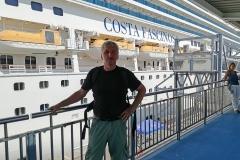 Jag på väg om bord på Costa Fascinosa